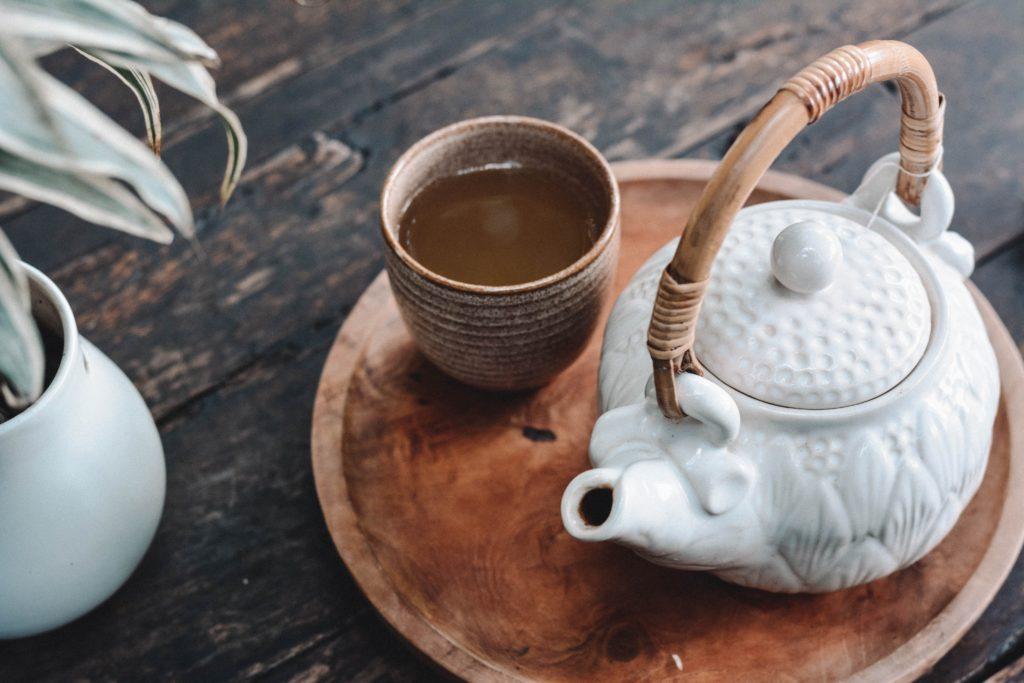 10 thés japonais incontournables : bienfaits, origines et préparations